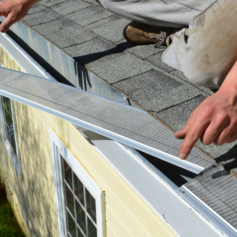Rain Gutter Cleaners in Fairport, MO 64447